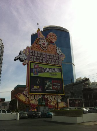 Circus Circus Manor Motor Lodge: Clown