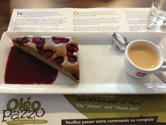 Courtyard by Marriott Toulouse Airport : This cake was phenomenal