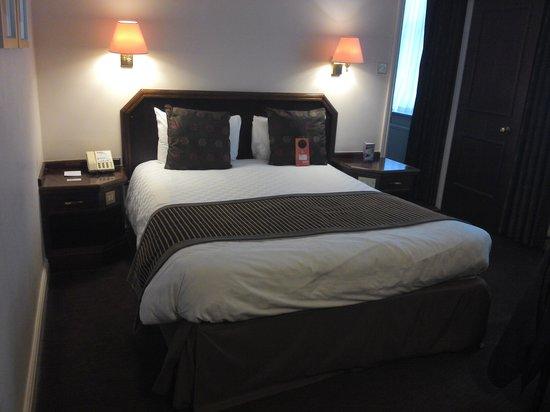 Mercure Exeter Rougemont Hotel: Main Bedroom