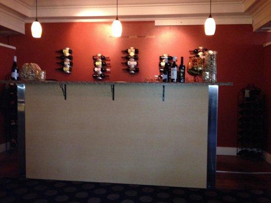 The Bistro Restaurant & Wine Club : Wine bar.