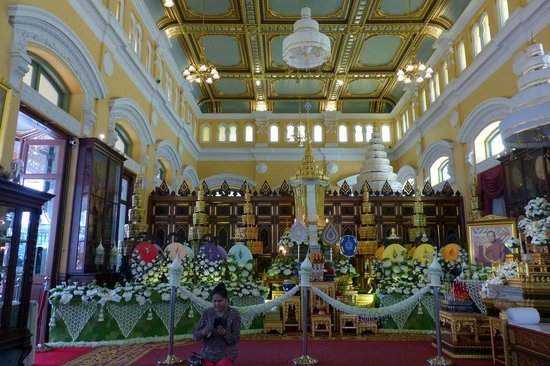Wat Bowonniwet - European style decor - Photo de Wat Bowonniwet Vihara, Bangk...