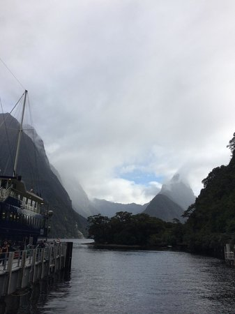 Distinction Te Anau Hotel and Villas : Easy drive to Milford Sounds