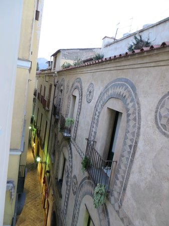 Palazzo Starace Bed & Breakfast: View from our window over Via SM Pieta