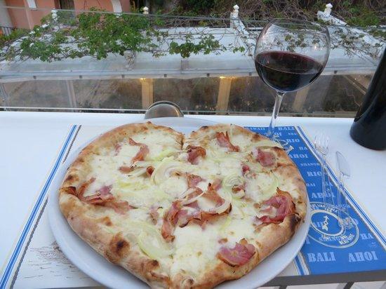 Capricci : Heart shaped pizza