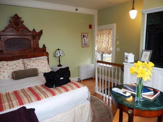 Cliffside Inn: Tower Suite