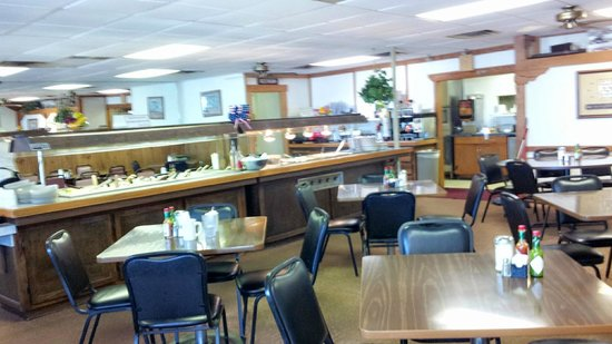 Elephant Butte, NM: Interior of Hodges Corner Restaurant