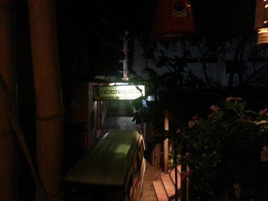 Kitchen Angkor Chey: dark..