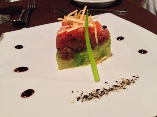 Parador Resort and Spa: tuna tartare at the galeria