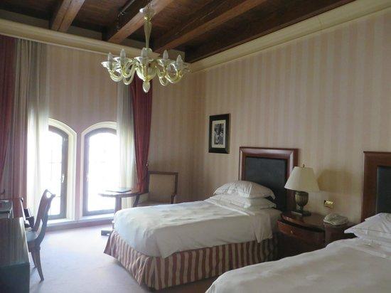 Hilton Molino Stucky Venice Hotel: Our room