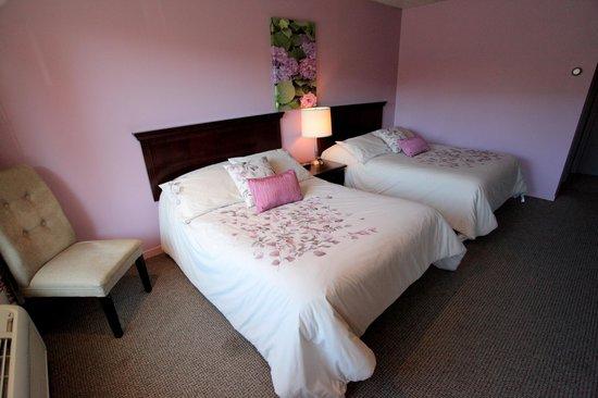 Hotellerie Jardins de ville : Country decor room / Chambre champêtre