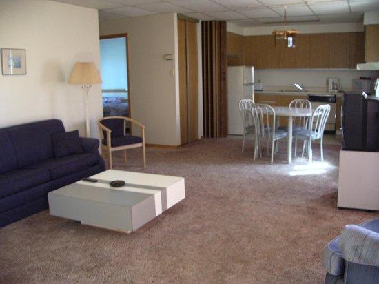 Hotellerie Jardins de ville : One of our 6 fully furnished hotel-apartments / Un de nos 6 hôtel-condos entièrement meublés