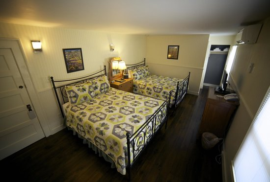 Hotel Charlotte: Newly renovated Room 8