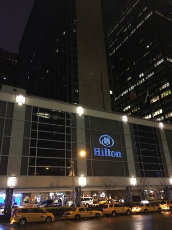 New York Hilton Midtown : Outside Lobby