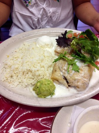 Los Agaves Mexian Restaurant : Chimichangas!