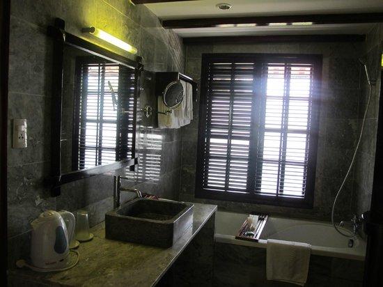 le belhamy resort & spa: Bathroom