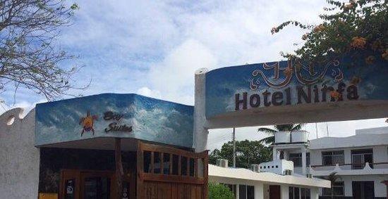 Hotel Ninfa : La entrada al hotel.