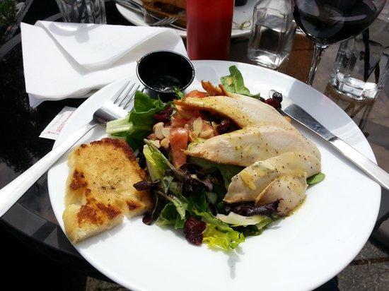 Stickleback West Coast Eatery: Harvest Chicken Salad