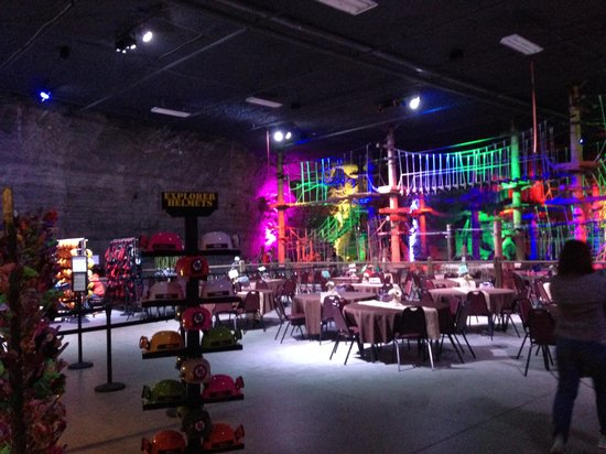 Louisville Mega Cavern : Event/gift shoppe/rope area