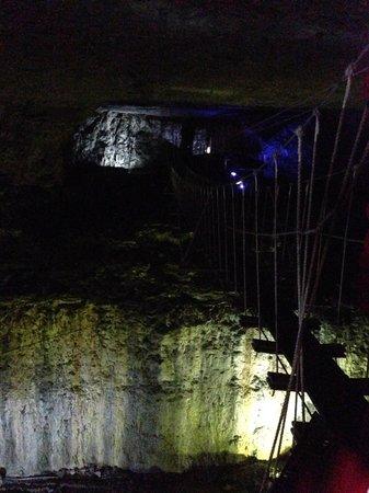 Louisville Mega Cavern : Suspension bridge