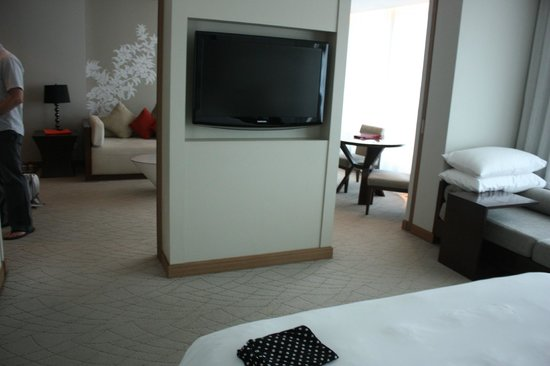 Le Meridien Chiang Mai: Spacious suite in daylight