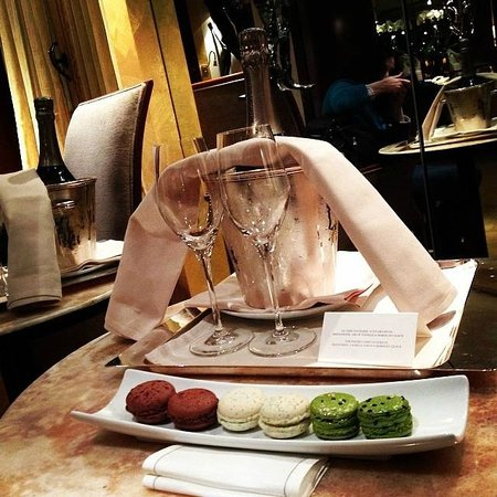 Park Hyatt Paris - Vendome: Champagne & macarons -- a gift from the hotel