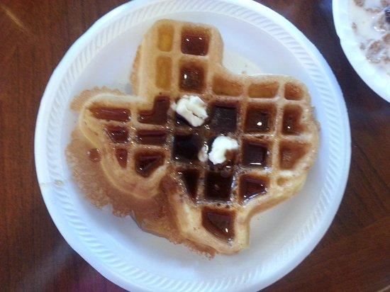 Fredericksburg Hill Country Hotel: Texas waffle