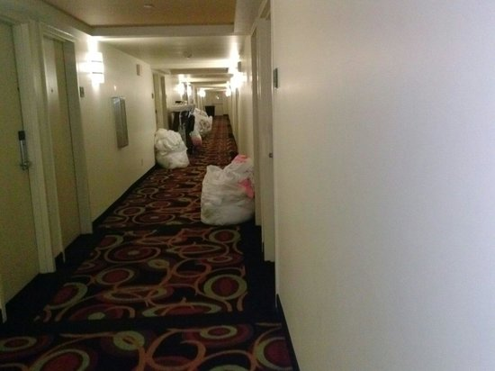 Crowne Plaza Hotel New Orleans Airport: :-(:-(:-(:-(:'(:'(:'(:'(:'(