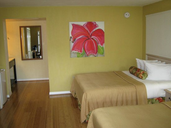 BEST WESTERN Hibiscus Motel: Large Bedroom/Living Area