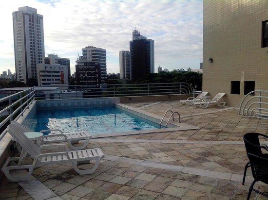 Mercure Recife Metropolis : área da piscina