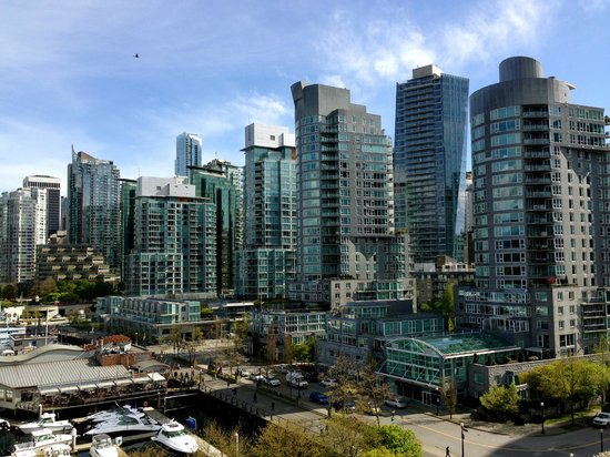 The Westin Bayshore, Vancouver: Vancouver skyline from the Westin Bayshore