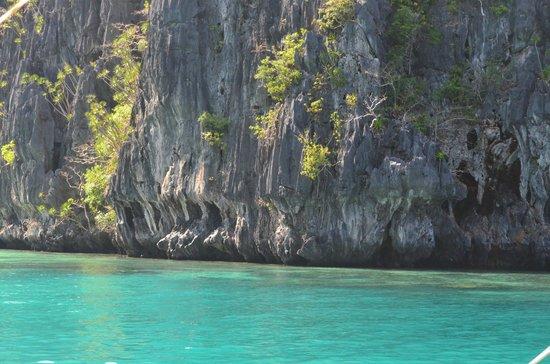 El Nido Resorts Miniloc Island : Limestone formations