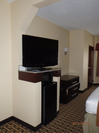 Best Western Knoxville Suites: TV