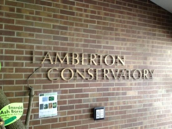 Highland Botanical Park and Lamberton Conservatory: Lamberton Conservatory - Sign at entrance