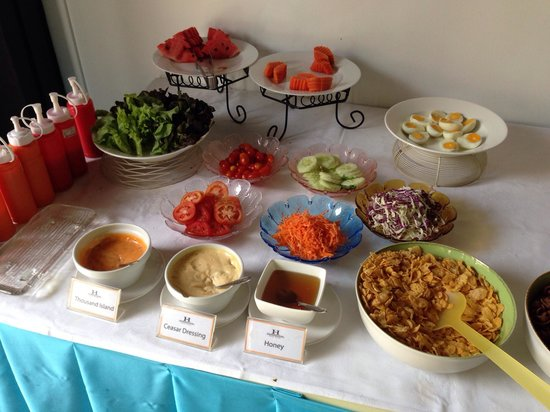 The Heritage Baan Silom Hotel: Very simple breakfast