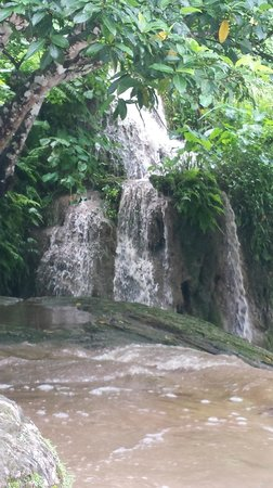 Atmosphere Tours: Beautiful waterfalls