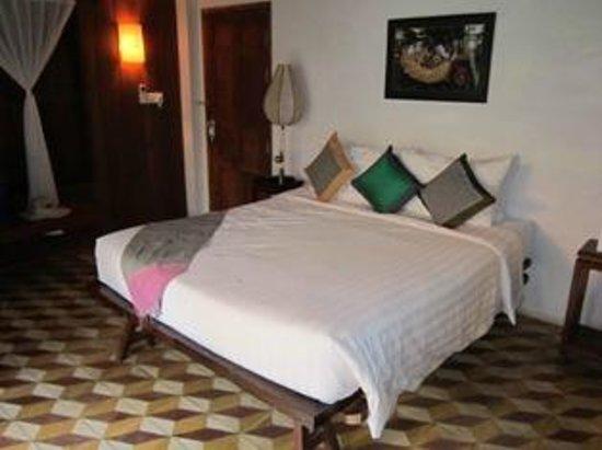 Bambu Battambang Hotel: Bed area
