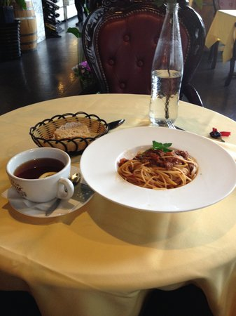 ShangHai Nong Yue Café (ZhenNing): 飲みもは何種類か選べるランチセットがあります