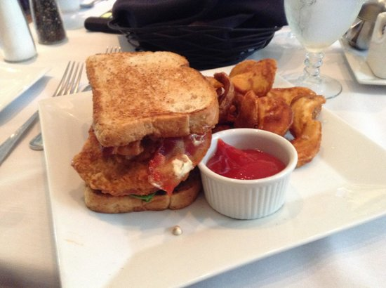 Kitchen On George: BLT with fried green tomatoes