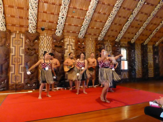 Waitangi Treaty Grounds: Show