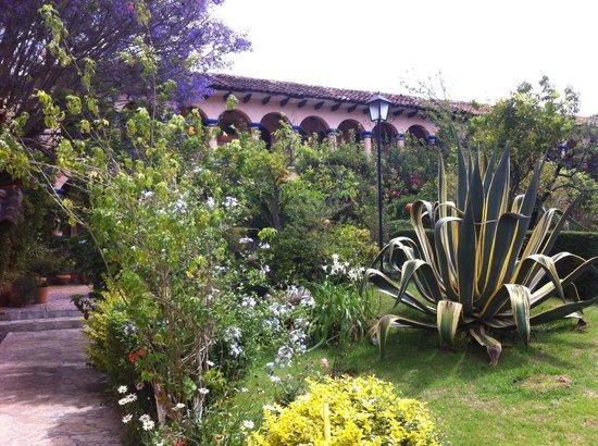Hotel Rincon del Arco: Hermosos jardines del Rincon del Arco en San Cristóbal, Chiapas