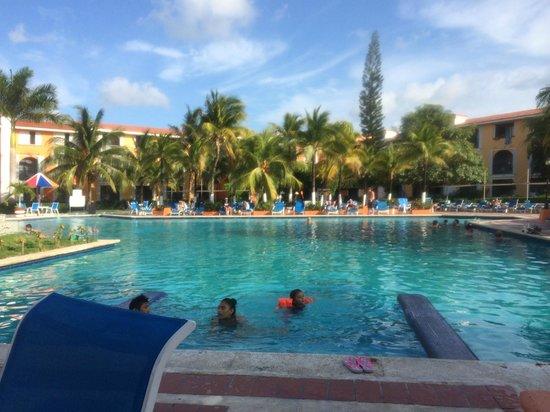 Hotel Cozumel and Resort: Main pool area