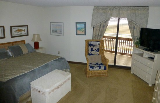 The Dunes Condominiums: Bedroom.