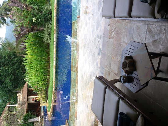 Pool Villa Club Senggigi Beach Lombok : Pool sharing villas.