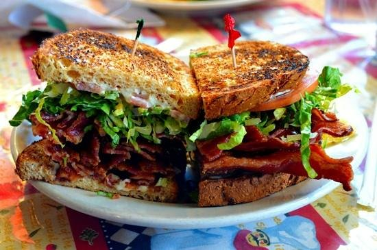 Scovie's Gourmet : Scovie's BLT has a pound of bacon, and it was delicious...