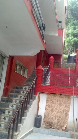 New Varuni House: hotel stairs