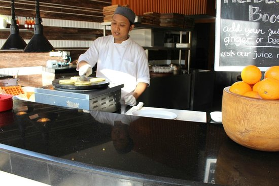 The Stones Hotel - Legian Bali, Autograph Collection: Breakfast - Pancakes & Waffles
