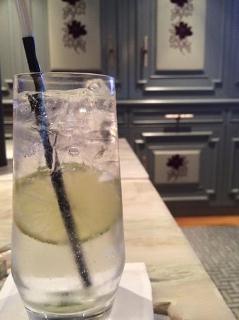The Langham, Hong Kong : Gin Tonic at Check-in