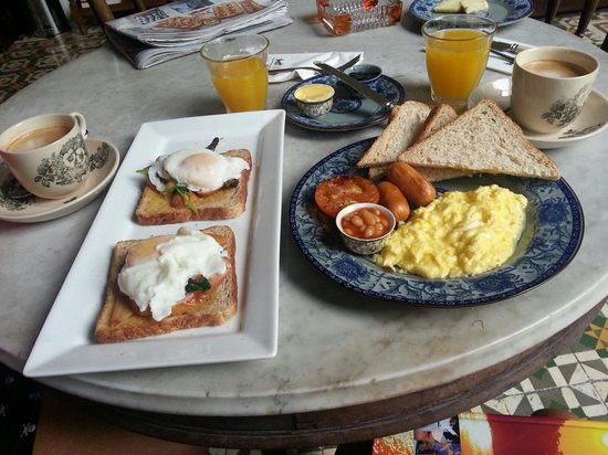 Noordin Mews: An awesome breakfast to kick start the day :)