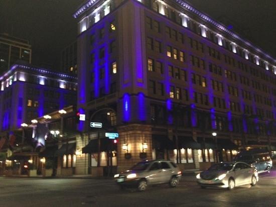 The US Grant: 夜のホテル