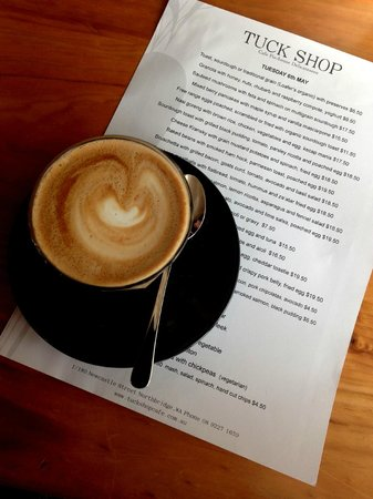 The Tuck Shop Cafe: Latte
